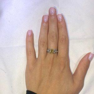 Jewelry - Yellow sapphire and diamonds ring